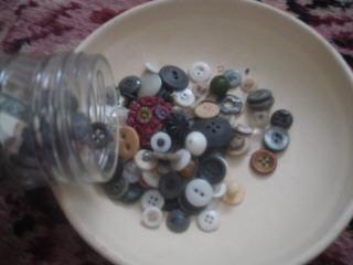 Pour out buttons