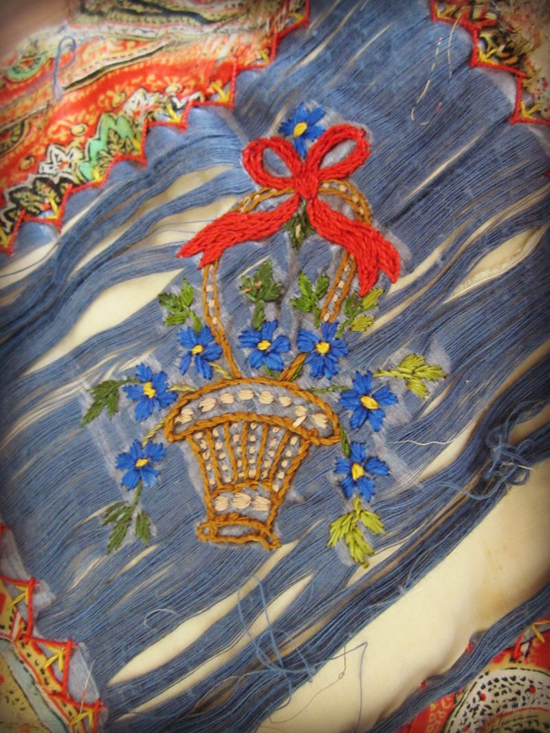 Flower basket embroidered