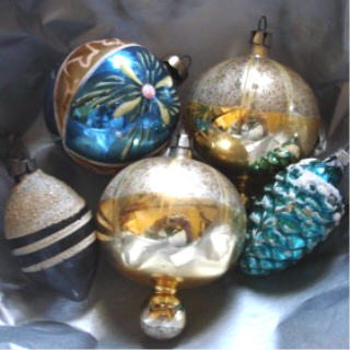 Blue_ornaments