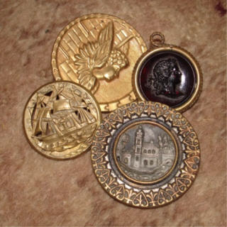 Victorian_buttons_3
