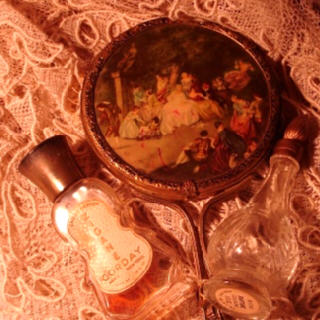 Perfume_lace