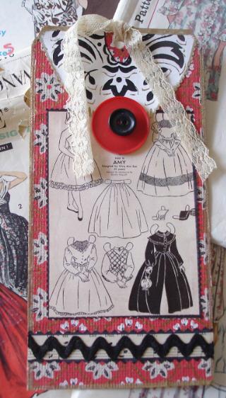 Red_doll_dress_tag
