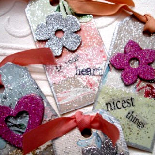 Glitter_tag_close_up