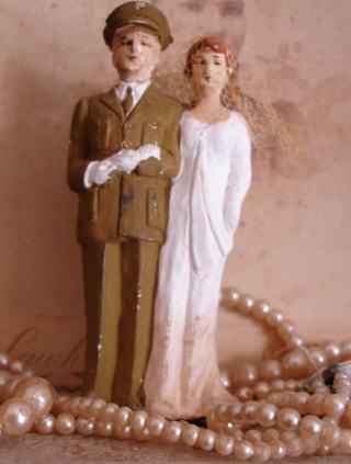 Wedding_couple_military