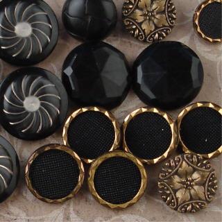 Black_button_cu