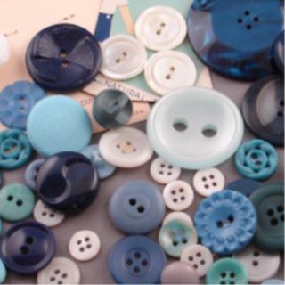 Blue_buttons