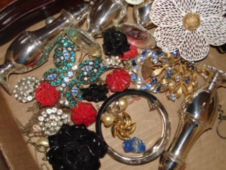 Auction_jewelry